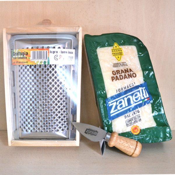Grana Padano 1,1 kg + Grattugia in Legno con Cassetto e Lama Inox