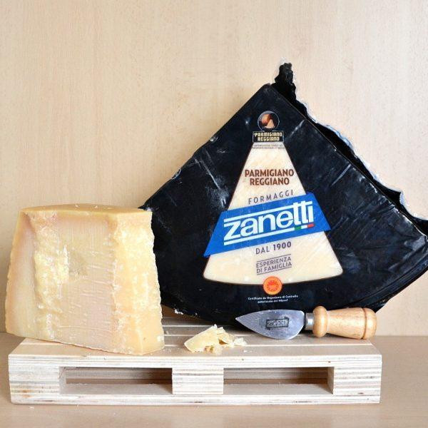 Formaggio Parmigiano Reggiano Zanetti 4,8 kg + Tagliagrana in Omaggio